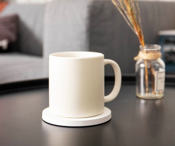 Photo of Xiaomi's Warm Cup is Also a 10W Wireless Charger