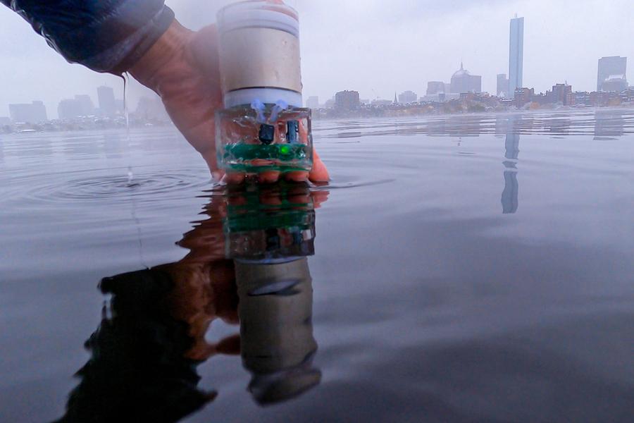 MIT underwater GPS